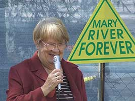 Shirley Friend at the Mary River